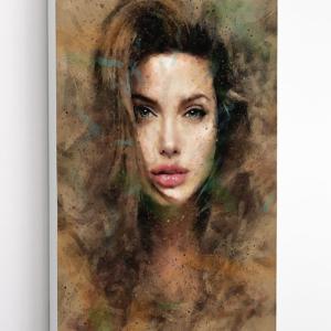Angelina-jolie-ritratto da foto